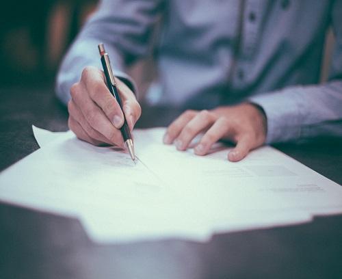 עורך דין כותב צוואה